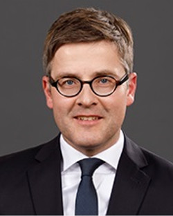 Dr Björn Enders
